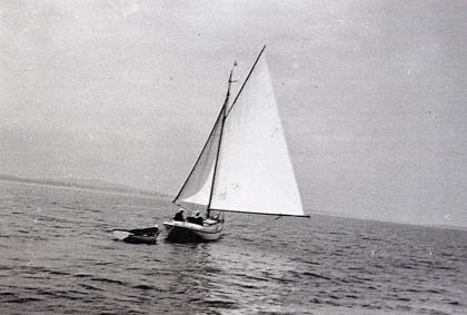 Dorothy slanty under sail